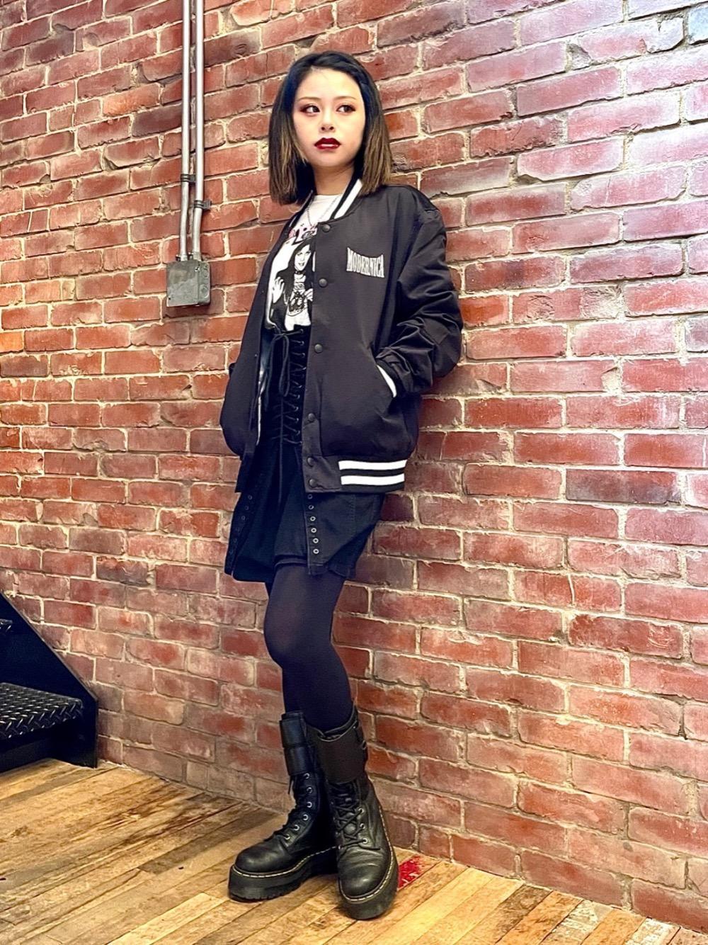 MODERNICAコラボのサテンジャケットを着てみました✨ シンプルなデザインで合わせやすく女性にもおすすめです!