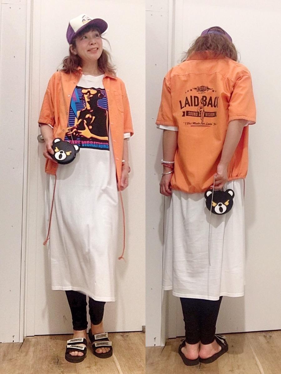 ワンピ白とメンズシャツ