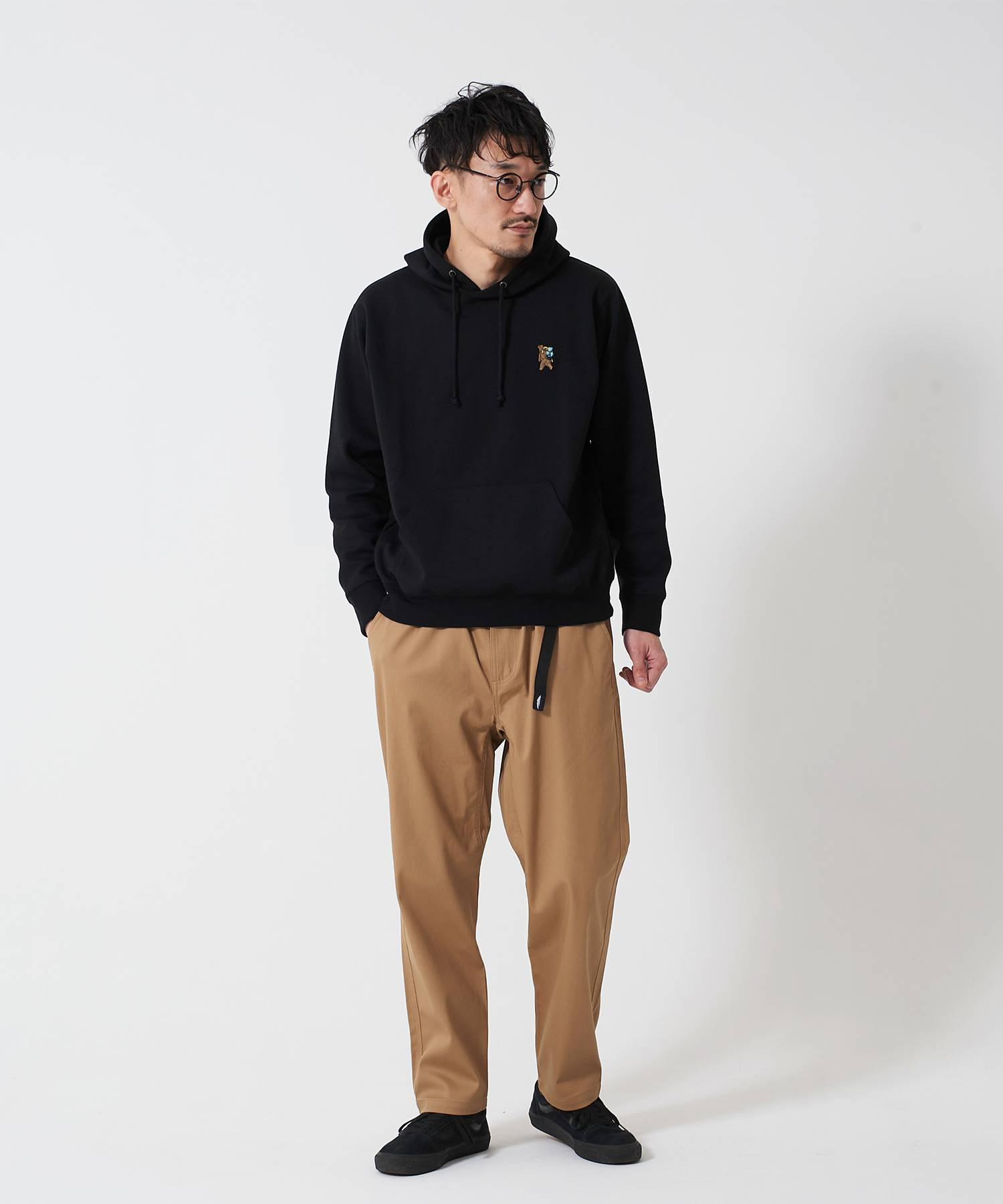 OUTDOOR PRODUCTS APPAREL  防シワポンチ刺繍プルパーカー