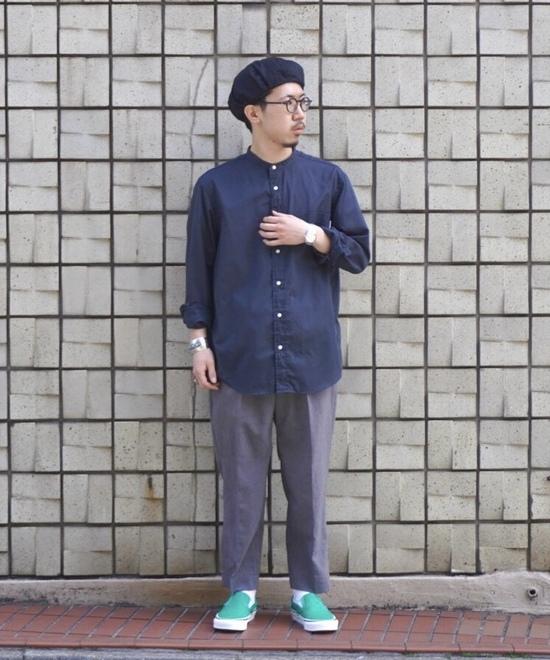 リネンシャツ×スラックス